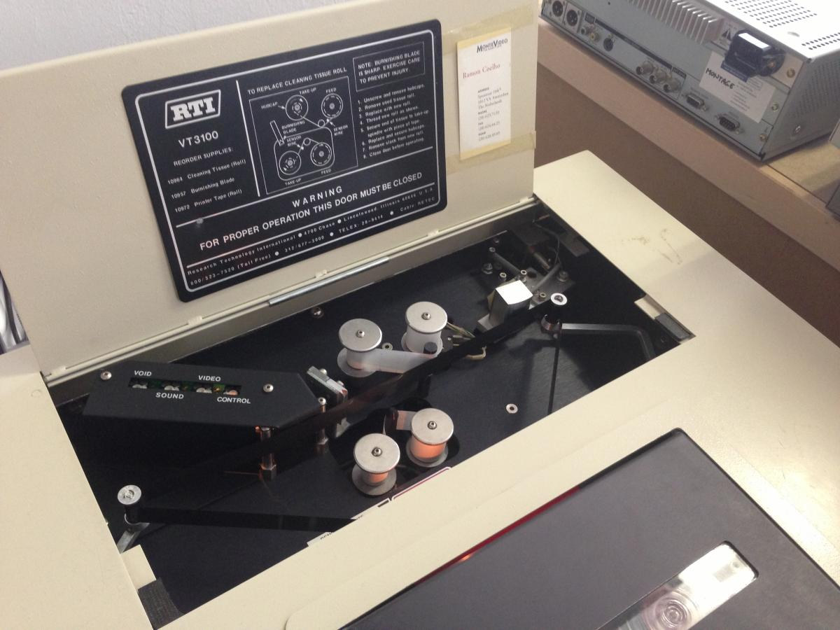 A detail of LIMA's RTI VT3100 U-matic tape-cleaning machine. These machines are extremely rare, and LIMA is one of the few institutions in the Netherlands still operating one. Picture: LIMA.