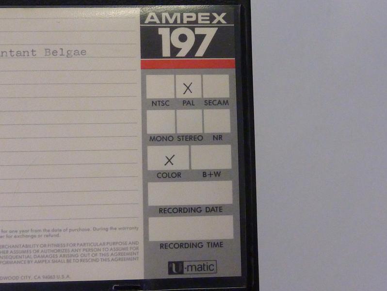 Informatie over de standaard op het label van een U-matic doos. Foto: PACKED vzw