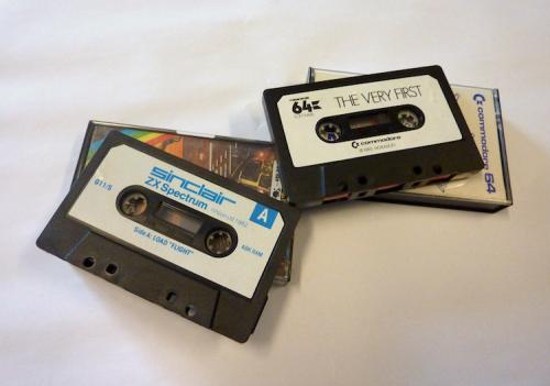 Commodore 64 en ZX Spectrum-programma's die zijn opgeslagen op Compact Cassettes. Foto: Packed vzw.