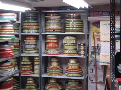 De opslag van een filmcollectie in een cultureel-erfgoedinstelling. Foto: PACKED vzw.