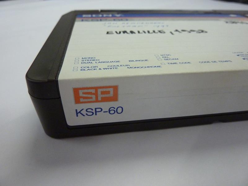 Een KSP-60 cassette uit de Sony U-matic SP tapereeks. Foto: PACKED vzw